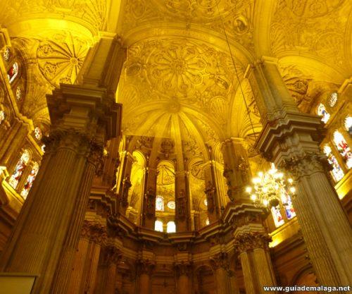 Interior Estilo Gótico de la Catedral de Málaga.
