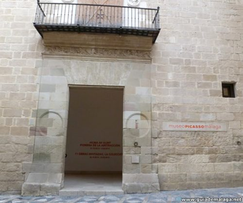 Entrada edificio Museo Picasso Málaga Colección Obras de Arte Permanente.